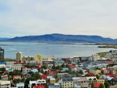 Blick über die Bucht von Reykjavik.JPG
